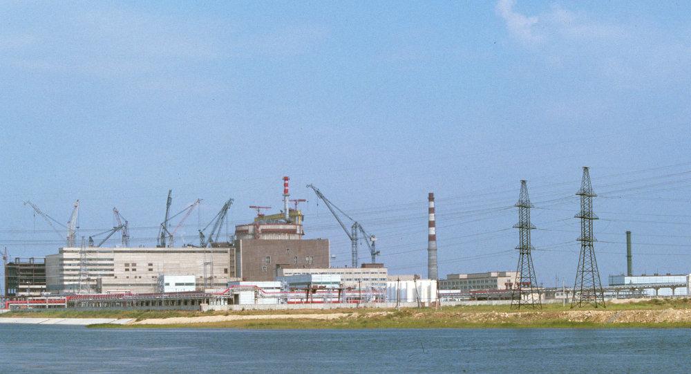 محطة بالاكوفسكايا: تقع بالقرب من بلدة بالاكوفو، منطقة ساراتوف، على الضفة اليسرى من ساراتوف تتكون من أربعة وحدات تم بناؤها خلال 1985، 1987، 1988 و 1993، وتعتبر هذه المحطة أكبر محطة للطاقة النووية في روسيا وتنتج كل عام أكثر من 30 مليار كيلووات فى الساعة من الكهرباء.