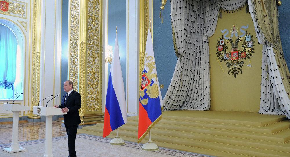 الرئيس بوتين يخاطب خريجي الكليات العسكرية
