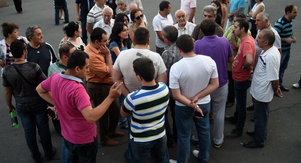 متظاهرون في يريفان