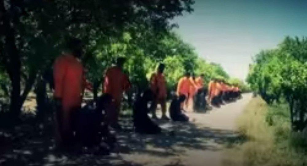 جيش الإسلام يعدم 18 عنصراً من داعش فى سوريا