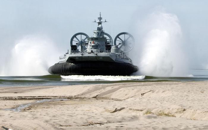 """إمكانيات السفينة الروسية على وسادة هوائية """"زوبر"""""""