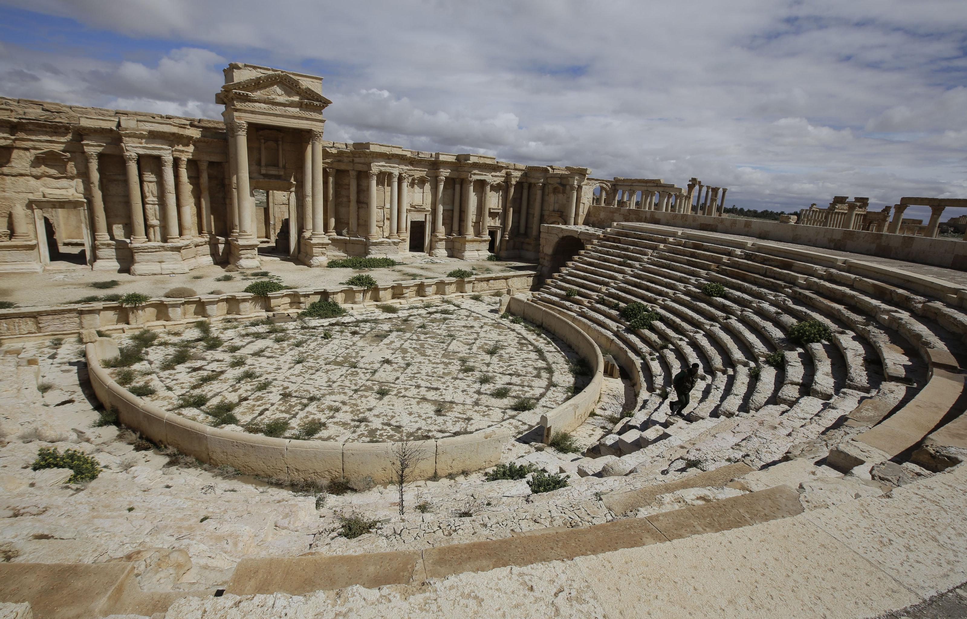 المسرح الروماني فى تدمر بنى فى النصف الأول من القرن الثاني الميلادي