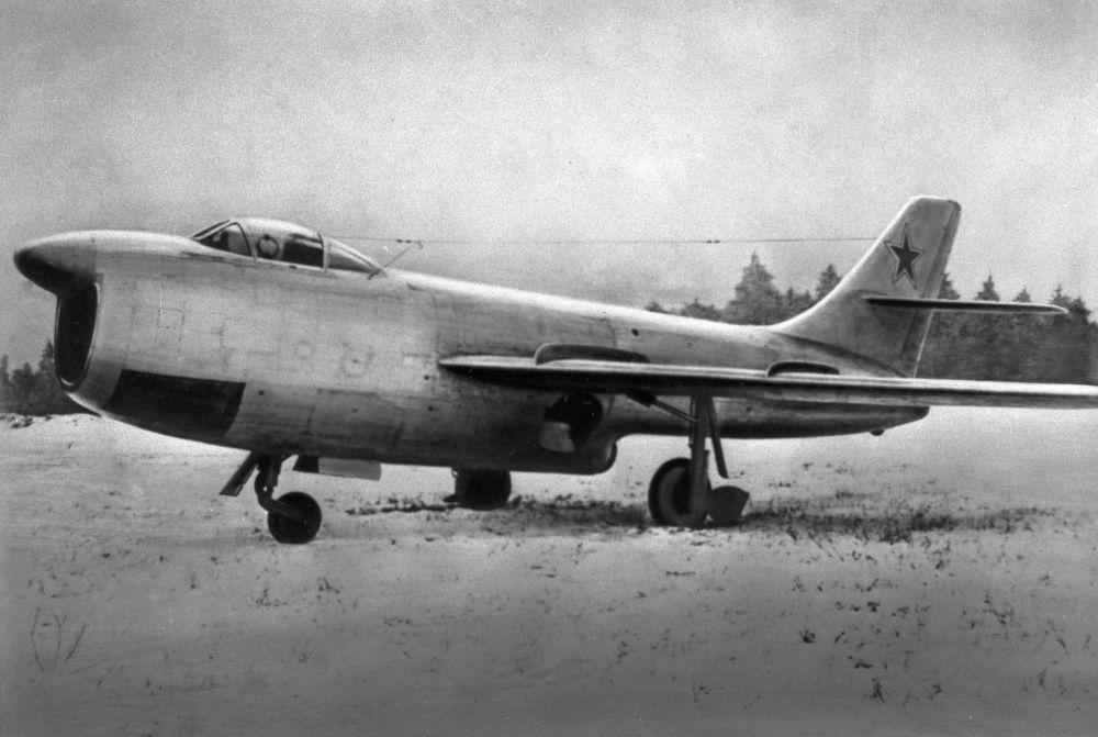 المقاتلة الاعتراضية سو- 15