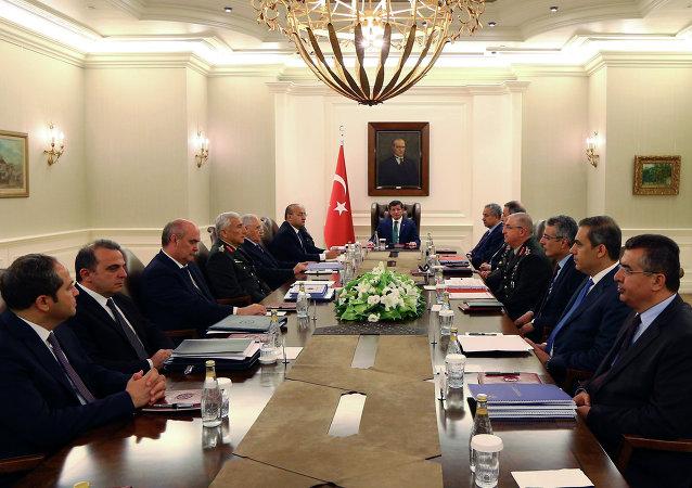 رئيس الوزراء التركي  أحمد داود أوغلو