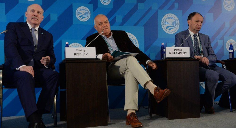 دميتري كيسيليوف