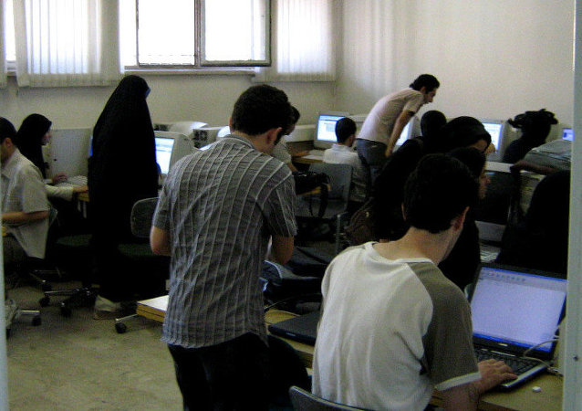 طلاب إيرانيين