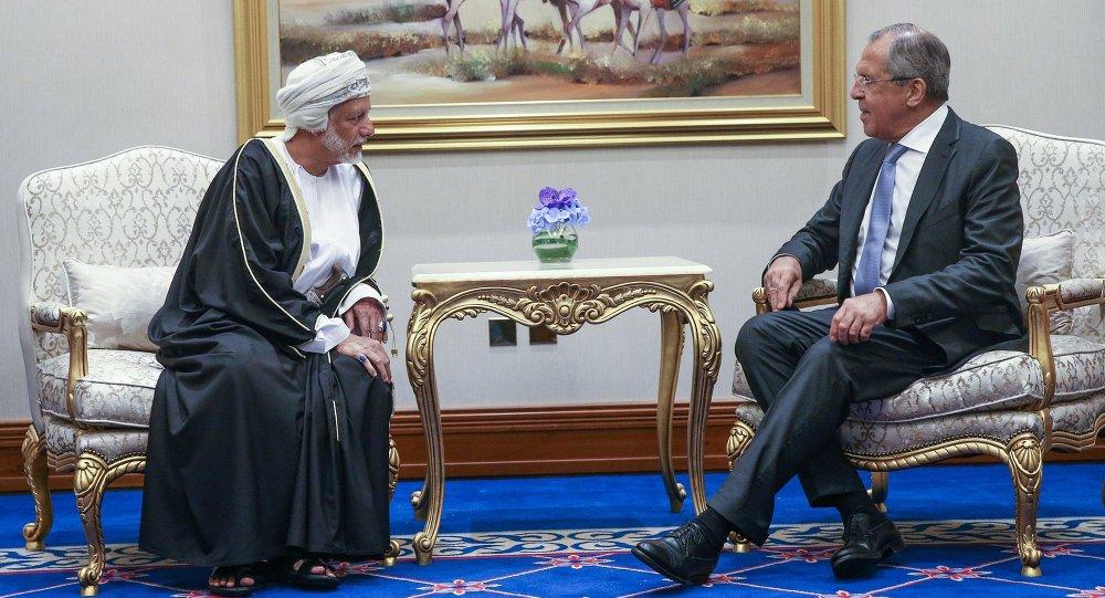وزير الخارجية الروسي سيرغي لافروف ووزير خارجية سلطنة عمان يوسف بن علوي