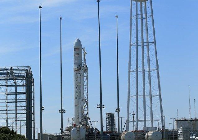 صاروخ  Antares الأمريكي المجهز لمحرك روسي