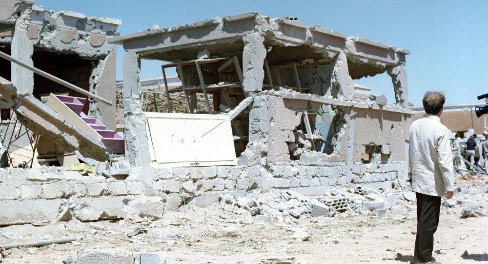بيوت دمرتها الطائرات الأمريكية
