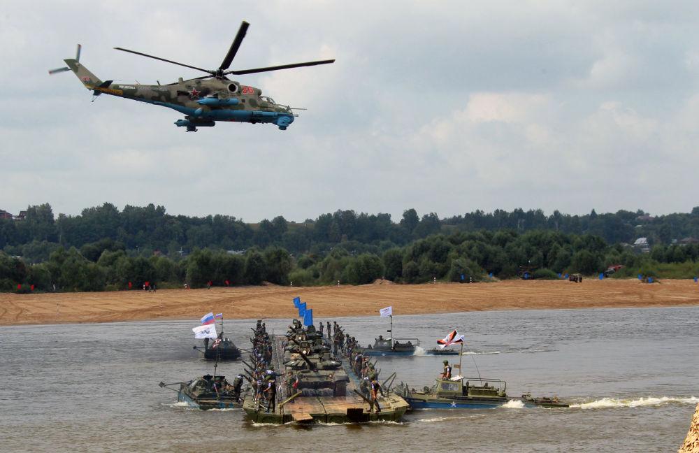 المهندسون العسكريون خلال المشاركة فى المسابقة