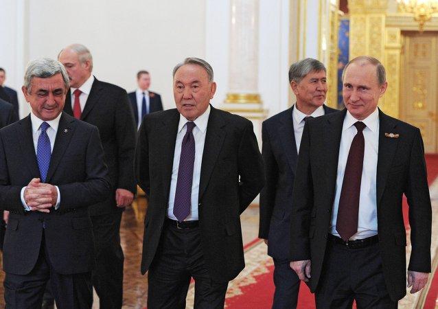 رؤساء الدول الخمس الأعضاء في الاتحاد الاقتصادي الأوراسي