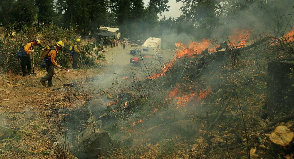 إخماد حرائق الغابات في الولايات المتحدة
