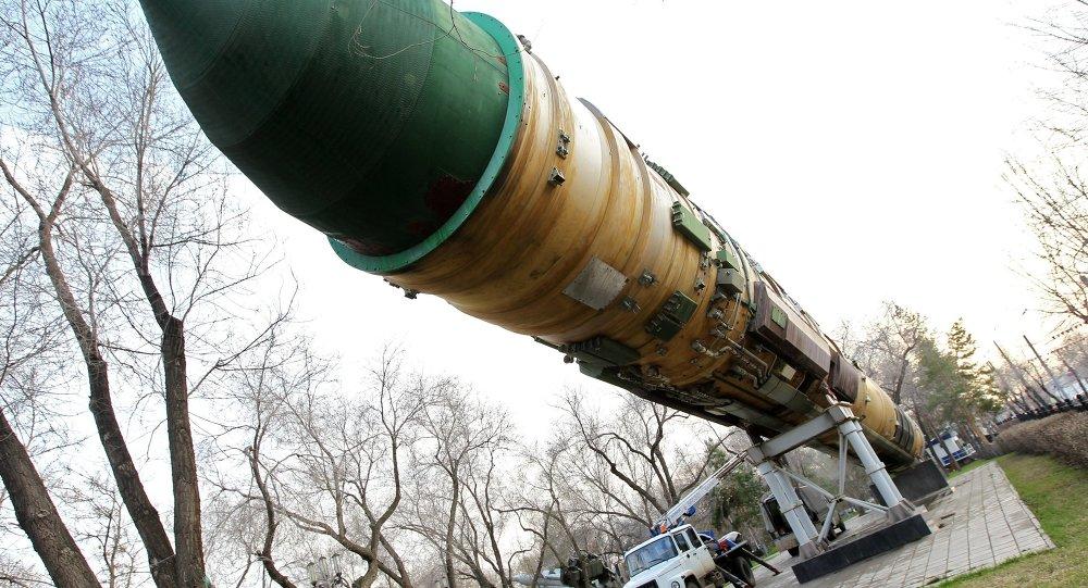 صاروخ إر إس-20