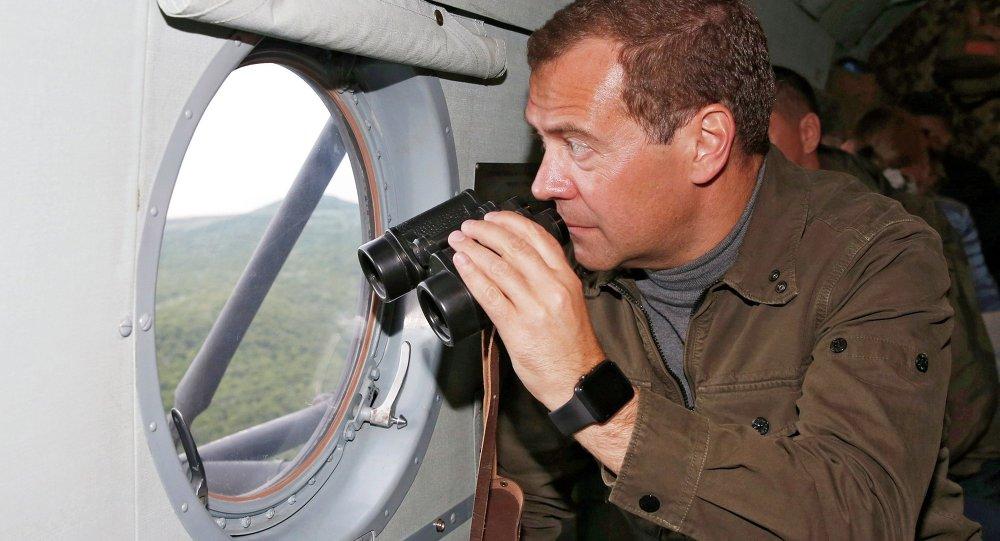 ميدفيديف يزور جزر الكوريل