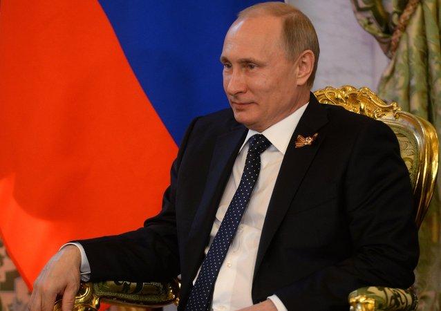 الرئيس الروسي فلاديمير بوتين خلال لقائه مع نظيره المصري عبد الفتاح السيسي