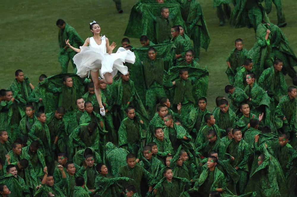 حفل افتتاح بطولة العالم  لألعاب القوى في بكين، لوحة عش الطير