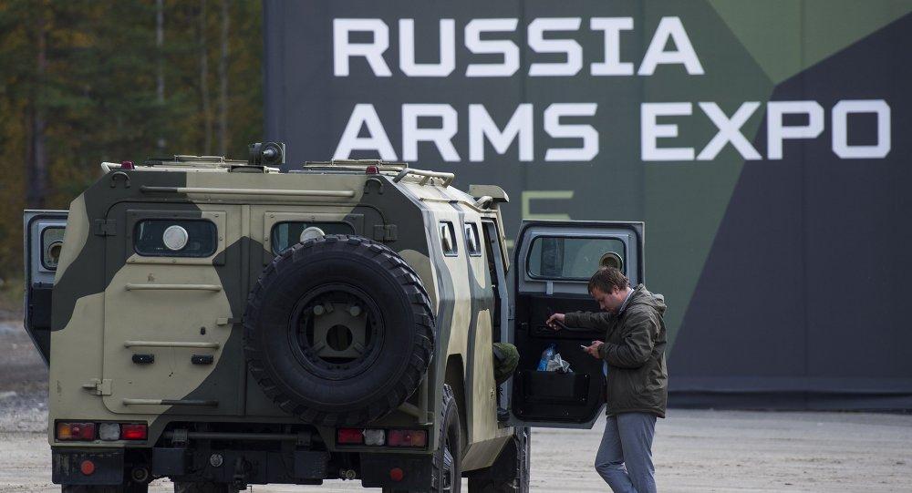 معرض الأسلحة روسيا آراميا إكسبو-2015