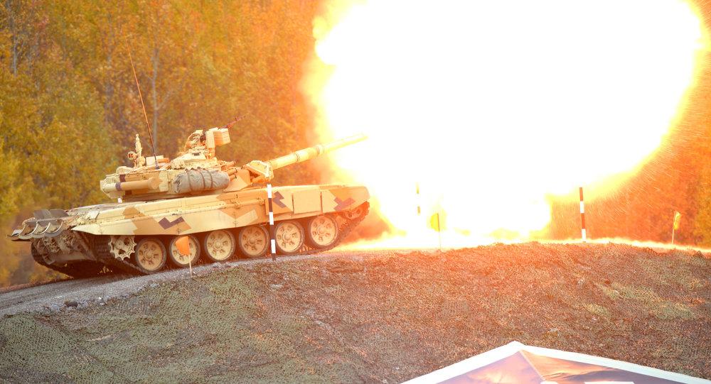 الدبابة الروسية ت-90