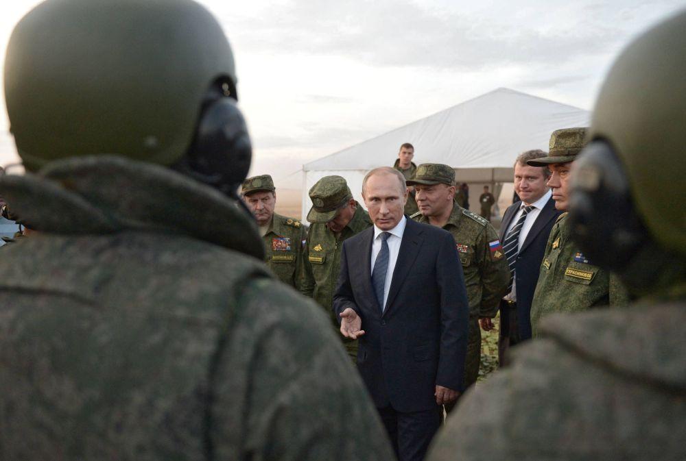 الرئيس بوتين مع جنوده