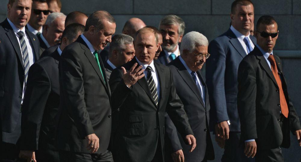 حضور رؤساء روسيا وتركيا وفلسطين مراسم افتتاح المسجد الكبير في موسكو