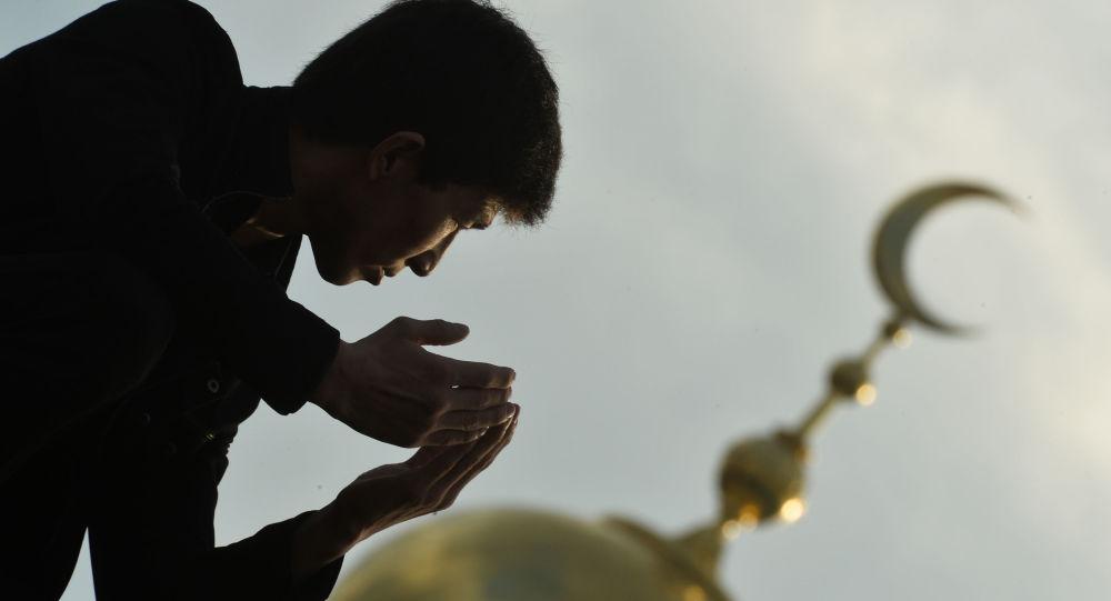 المسلمون في عيد الأضحى  في مسجد موسكو الكبير