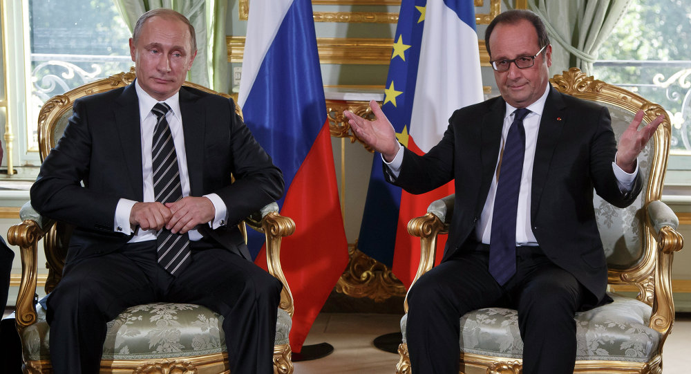 الرئيس فلاديمير بوتين والرئيس فرانسوا هولاند في باريس