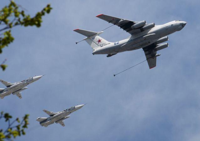 الطائرة الصهريج  إيل- 78 والقاذفات الجبهوية سو- 24