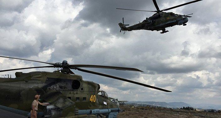 طائرات الهليكوبتر الروسية في قاعدة حميميم