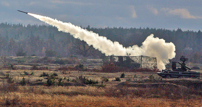 إطلاق صاروخ مضاد للطائرات من نوع أوسا