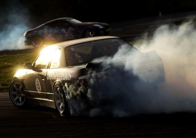 بطولة سباق سيارات Free drift session 5.0 في فيليكي نوفغورود، في روسيا.