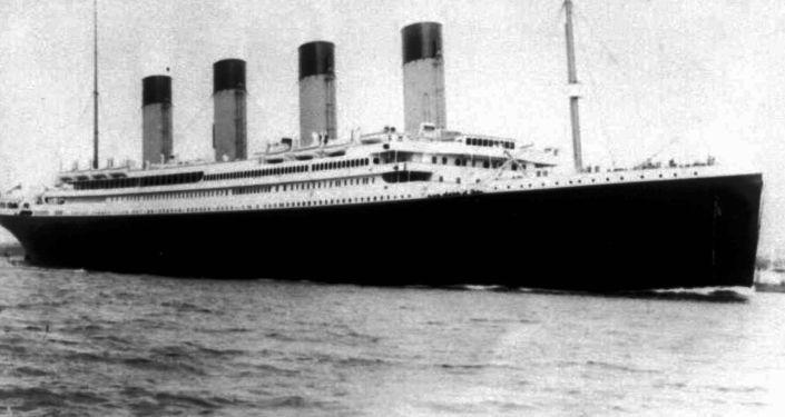 سفينة تايتانيك العملاقة