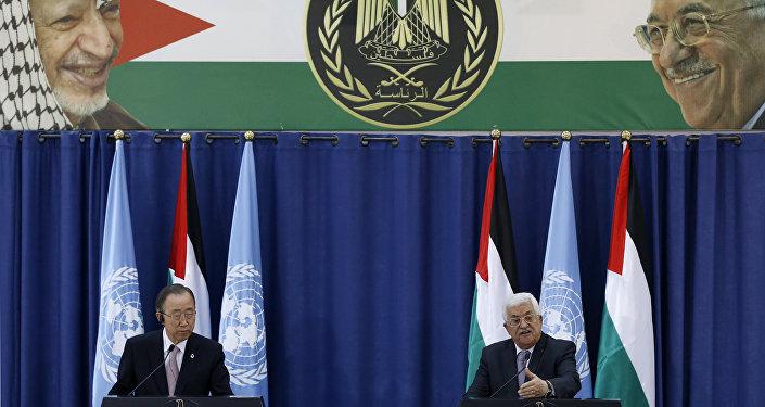أمين عام الأمم المتحدة بان كي مون يلتقي الرئيس الفلسطيني محمود عباس