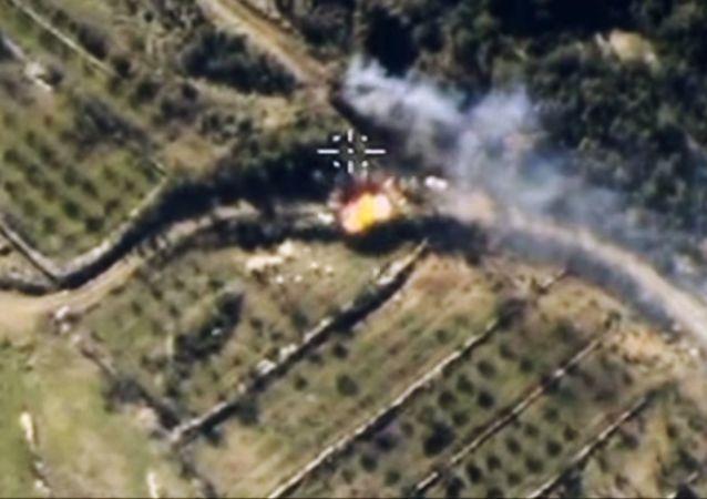 القوات الجوية الفضائية الروسية تشن غارات على مواقع في حلب واللاذقية