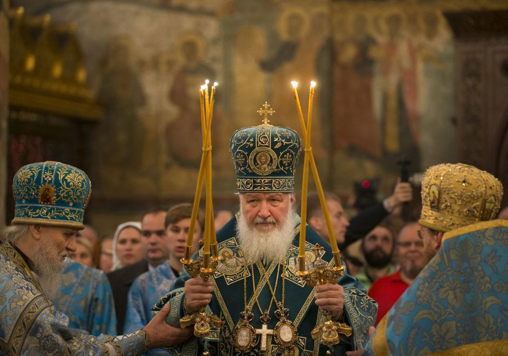 كيريل الأول أسقف الكنيسة الروسية الأرثوذكسية وبطريرك موسكو وعموم روسيا