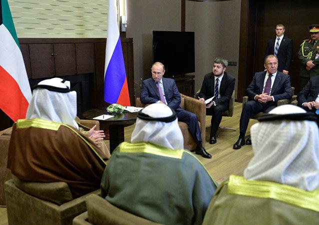 لقاء رئيس روسيا مع أمير الكويت