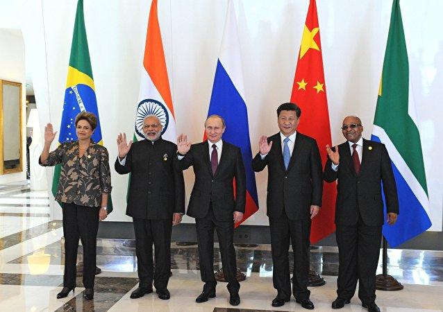بوتين يشارك في لقاء زعماء دول مجموعة بريكس في أنطاليا