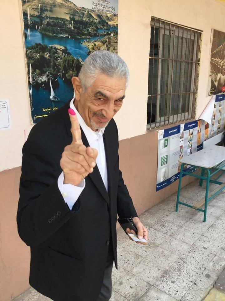 أحد المشاركين فى الإنتخابات البرلمانية فى مصر