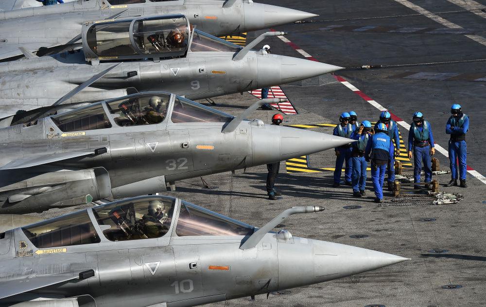 قوة بلاد الغال: حاملة الطائرات شارل ديغول رست لمواجهة تنظيم داعش