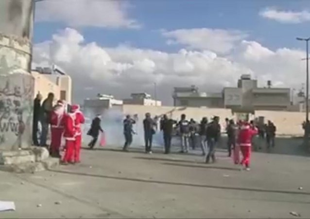 المتظاهرون فى فلسطين