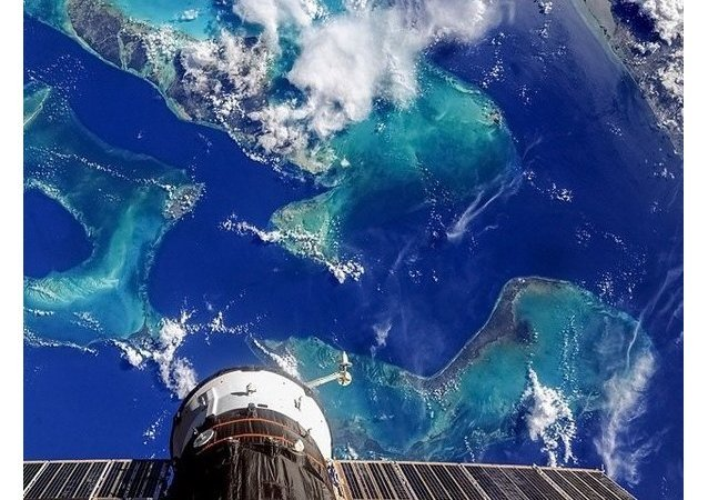 هكذا هو كوكبنا من الفضاء حيث الجمال والسلام...
