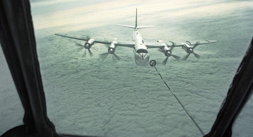 القاذفة الاستراتيجية تو - 95