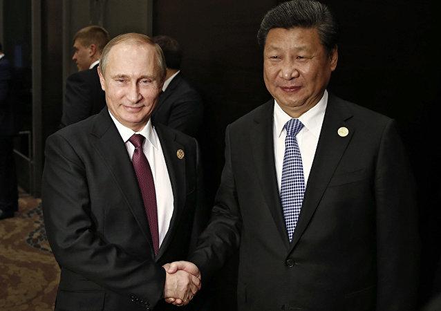 لقاء الرئيسين الروسي والصيني