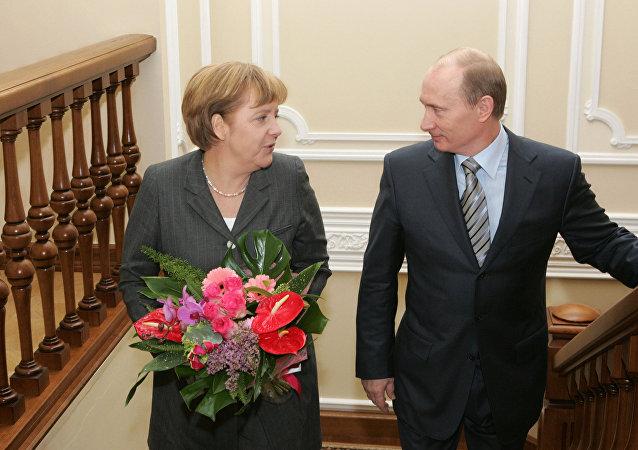أنجيلا ميركل وفلاديمير بوتين