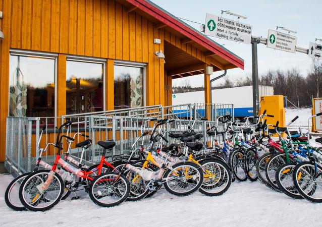 مركز اللاجئين على الحدود النرويجية الروسية