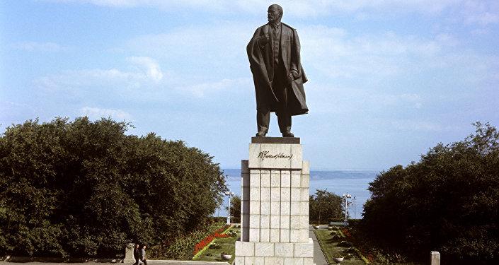 تمثال لينين بمدينة أوليانوفسك