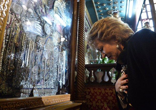 فالنتينا ماتفيينكو تزور كنيسة مهد المسيح في بيت لحم