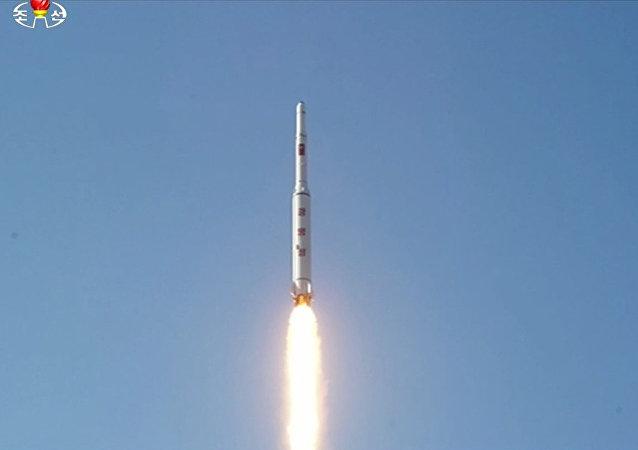 إطلاق كوريا الشمالية صاروخا بالستيا