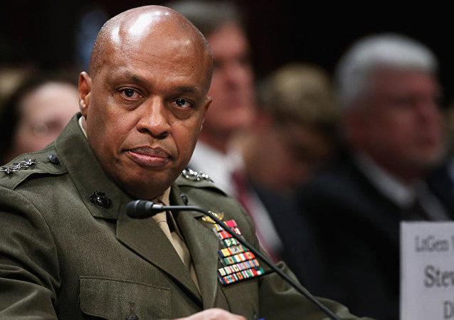 الجنرال فينسنت ستيوارت – مدير الاستخبارات العسكرية الأمريكية