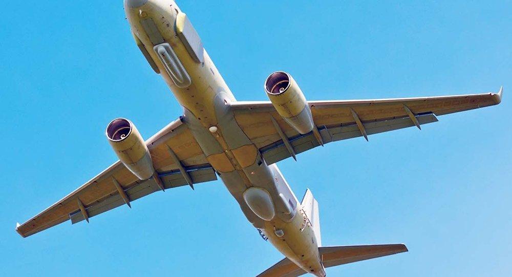 طائرة الاستخبارات الروسية تو 214أر