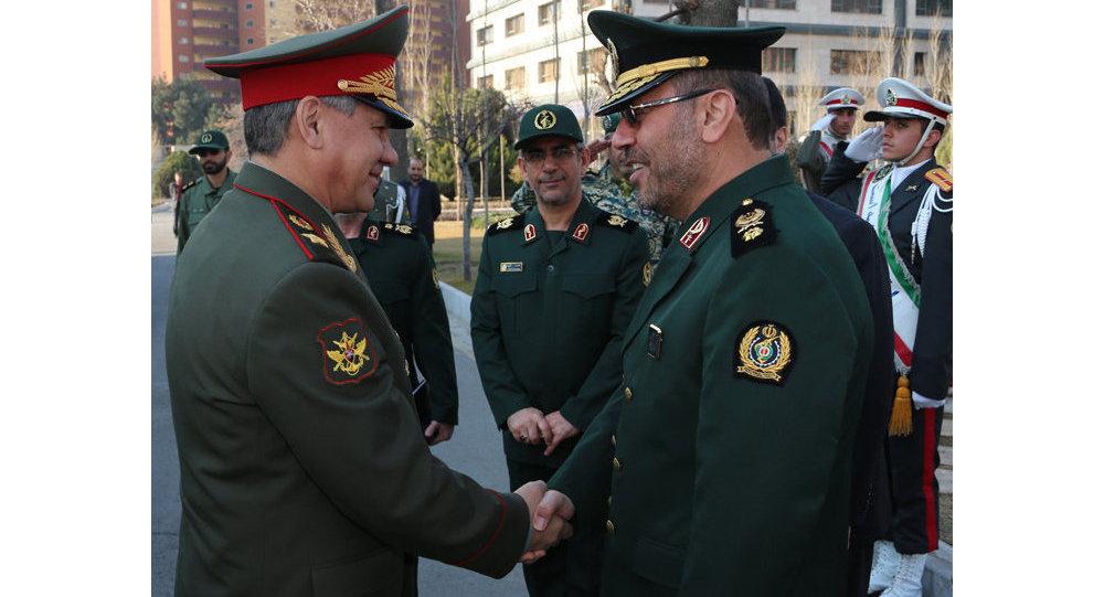 وزير الدفاع الإيراني والروسي